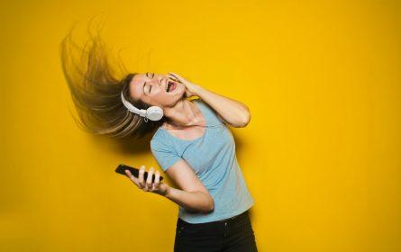 music changes brain